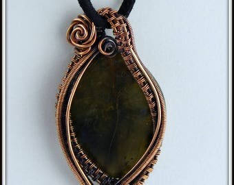 Sale Priced! Labradorite Pendant, Wire Wrapped Labradorite Necklace, Wire Woven Pendant, Copper Stone Pendant, Artisan Jewelry, Gift Idea