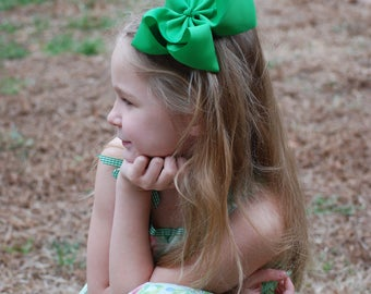 Green Hair Bow - Green bow - Green Hairbow - Big Green Bow - 6in Hair Bow - Big Bow - Solid Hair Bow - Southern Bow - Green - Hairbow