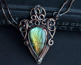 Labradorite pendant, blue flash labradorite, wire wrapped labradorite, wirewrapped, labradorite jewelry, coat of arms, fantasy jewelry