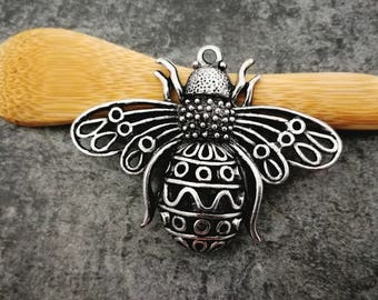 Bee pendant, large bee in 3D, Lacy, silver pendant, 57 x 50 mm