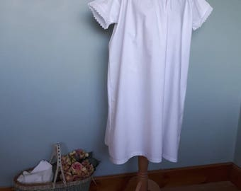Victorian white cotton nightgown vintage cotton linen chemise. Antique nightdress medium large size broderie anglaise lace edging slip shift