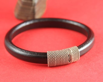 R/3 MADE in EUROPE zamak magnetic clasp, beaded licorice clasp, 10x6mm cord clasp, licorice magnetic clasp (Tm10x6grts) Qty1