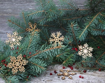 Set of 6x Christmas Wooden Snowflake Ornaments / Laser Cut Wood Decor / Christmas Gift/laser cut snowflake/Xmas gift