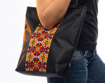 Large black canvas tote / Zippered canvas tote bag / Black canvas shoulder bag / Ukrainian bag /Ukrainian embroidered bag / Ukrainian gift