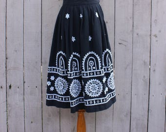 Vintage 50's/60's Black & White Embroidered Embellished Circle Skirt, Rockabilly, Shisha Mirrors, Size - Large