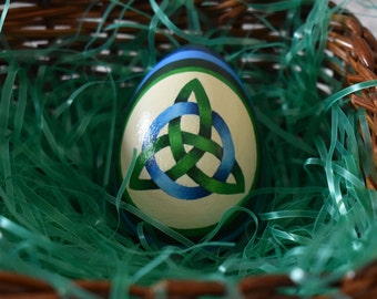 Hand painted Celtic knot and ring on ivory in green and medium blue
