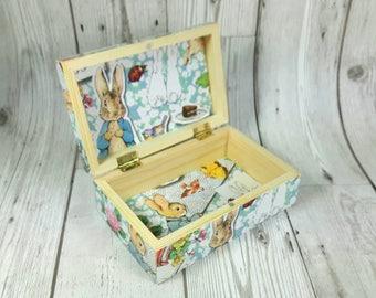 Peter Rabbit Keepsake Box, Baby Shower, Peter Rabbit Nursery, Beatrix Potter, Trinket Box, Nursery Decor, New Baby Gift, 1st Birthday