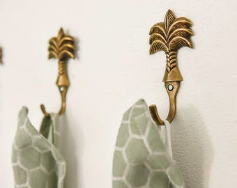 palm pineapple hook. wall door hooks,Pineapple tropical hawaii.Clothes peg hook.retro pineapple hook.Vintage . Flamingo . Pineapple.