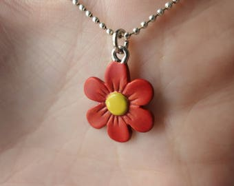Red flower pendant necklace