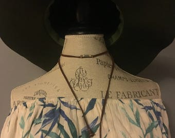 Green arrow charm necklace