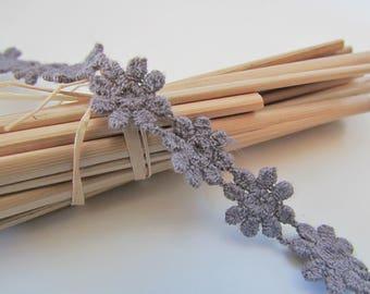 Dentelle à fleur 100% coton de couleur gris anthracite-  largeur 1.2 cm - ref 11.17