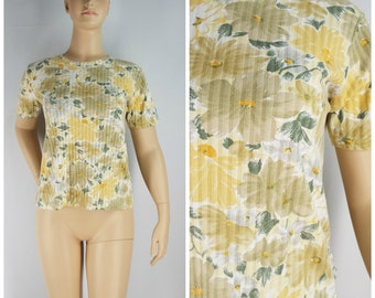 Vintage Womens 1990s Yellow Gray and White Wildflower Floral Short Sleeve Tee Shirt | Size M