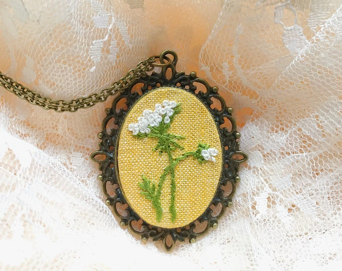 Queen Anne's Lace Pendant