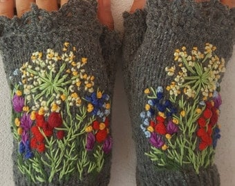 Hand knitted Fingerless Mittens Gloves Lace  Wildflowers accessories  embroidered  wool  Floral Lace