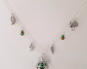 Necklace / necklace / pregnancy's Bola Mexican months green tree of life