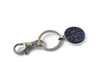 Antique Silver Color Key Chain with Unique Pattern, Key Clip and Key Ring