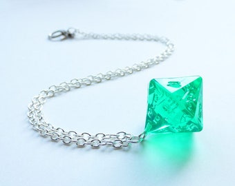 Emerald - Dungeons and Dragons D16, Necklace, Pendant, silver, crystal, green, gem, RPG, D&D, Jewellery, Dice, d20, dnd