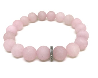 0,22 carat diamond and matte rose quartz bracelet