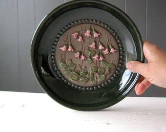 JIE Gantofta Ceramic Wall Plate 833, Series Designed by Aimo Nietosvuori, Linnea Småland, Nordic Ceramic, Swedish Pottery