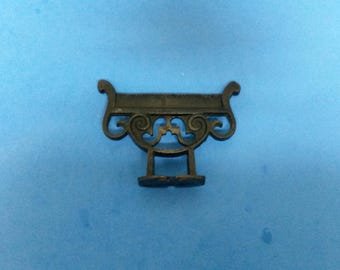 Antique Boot Scraper, Cast Iron Victorian/Eastlake 4-1/2 Inch, ca. 1890