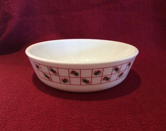 """Pyrex Geometric Red and Green Squares Pattern Cereal Bowl 6"""" diameter"""