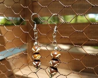Brown Wood Bead Earrings, Dark Brown Wood Earrings, Wood Bead Earrings, Brown Wood Beaded Earrings, Carved Wood Beads, Dark Brown Beads