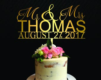 Mr and Mrs Last Name Wedding Cake Topper with Hearts, Mr and Mrs Cake Topper, Custom Trendy Cake Topper, Elegant Linked Heart Topper