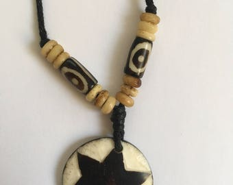 Vintage necklace on a leather line // Necklace with a six-pointed star // 90s