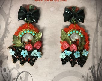 "Earrings Bohemian ooak red and black rabbits - Jet beads - leaves in vermeil - bow and Pearl - cabochons ""Dark twin sisters"""