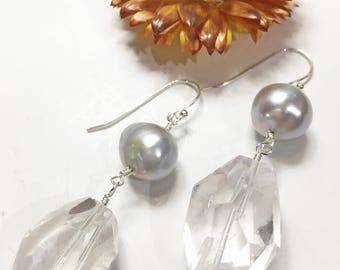 Quartz Earrings, Quartz Crystal Earrings, Gray Freshwater Pearl Earrings, Freshwater Pearl Earrings,Quartz Drop Earrings,Pearl Drop Earrings