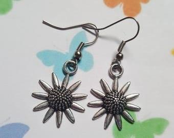 Sunflower earrings, Sunflower, Dangle earrings, Flower jewellery, Sunflower jewellery, Flower, Floral jewellery, Gifts for her