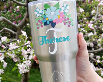 Floral personalized monogrammed stainless steel tumbler. Wedding gift. Bridesmaid gift. Personalized cup. Easter gift. Spring tumbler.