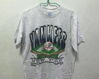 Vintage New York Yankees Size M Free Shipping 90s New York Yankees Baseball Team MLB