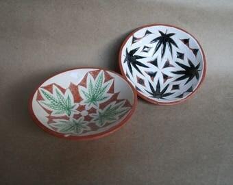 Ceramic plate Cannabis, ceramic dish, hemp, gift, ceramics, ceramic hemp, plate, kitchen decor, cannabis, hemp décor, plant ornament flora