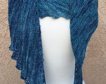 Lace Edge Wool Shawl: Shades of Blue