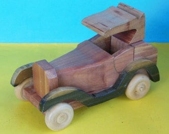 Cedar Early Model Car