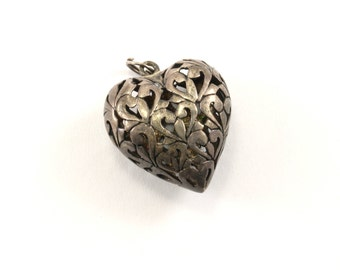 Vintage Scroll Design Puffy Heart Pendant 925 Sterling PD 599
