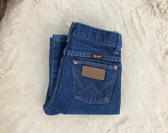 "Wrangler 24"" Dark Wash High Waist Vintage Jeans"