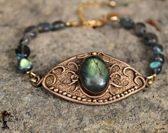 "Bracelet ""Bastet"" - bronze and labradorite"