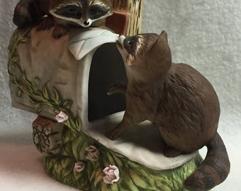 Homco Racoons on Mailbox (#127)