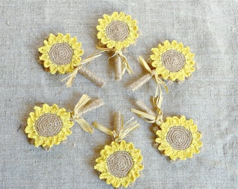 Country groom Natural buttonhole Sunflower brooch pin Wedding boutonniere Burlap corsage pin Country buttonhole Rustic boutonniere Lapel pin