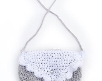 Crochet little gem purse