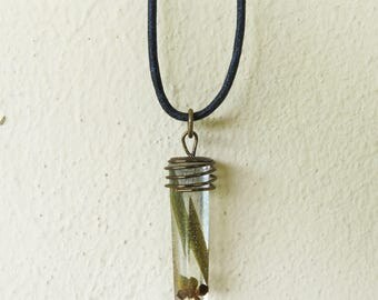 Resin pendant unisex necklace