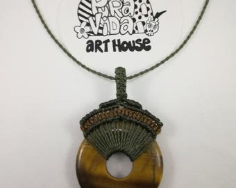 Tiger eye donut gemstone necklace,Tiger eye donut pendant with macrame,Boho gemstone necklace,Donut gemstone choker,Yoga necklace pendant.