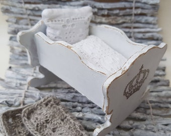 Baby Cradle for the doll's room