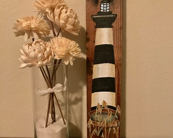 Lighthouse painting on pallet wood