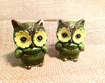 Vintage 1970s Kitsch Owl Salt and Pepper Shakers