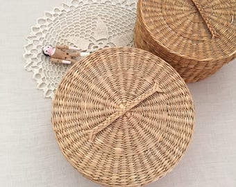 2 Vintage woven baskets with lid - Bohemian Boho Eclectic Jungalow - Decor Style Home - africa asia - seagrass - straw grass #0705