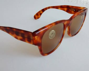 Vintage Persol P37 sunglasses (bubble inside frame)