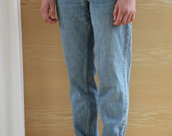 Levis 550 Mom jeans in medium wash / Levis Jeans size high cut 550